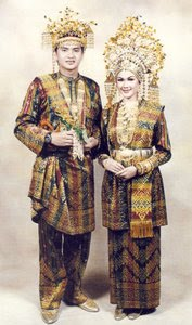 pakaian-adat-melayu-Siak-Riau-pakaian-tradisional-melayu-Siak-Riau