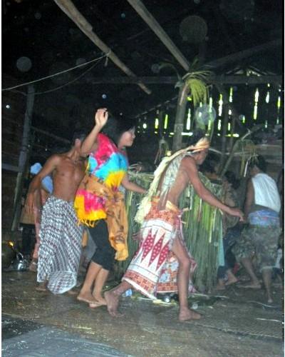 Tari-Monong-Kalimantan-Barat